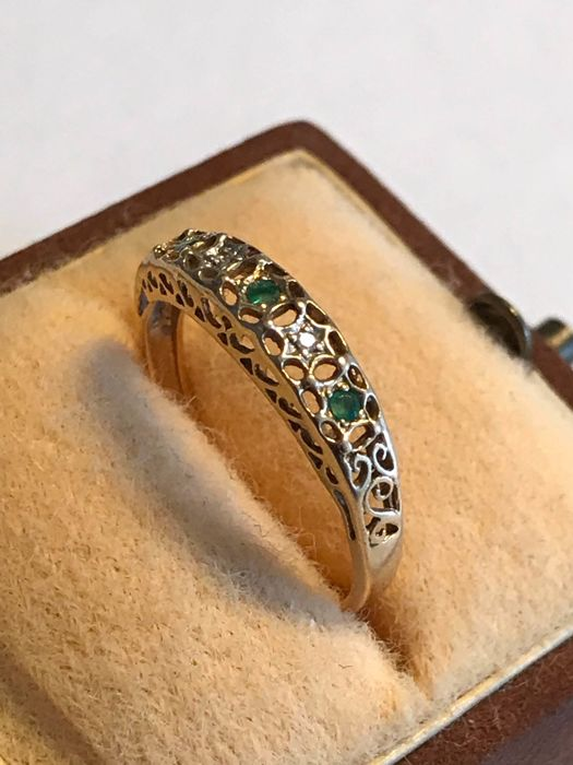 18 kt. Yellow gold - Ring - 0.15 ct Emerald - Diamonds