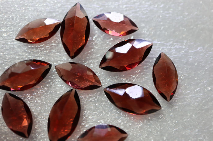 11 pcs Roșu Granat - 13.97 ct