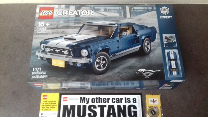 Lego Creator Expert Ford Mustang With Sticker And Vip Key Ring