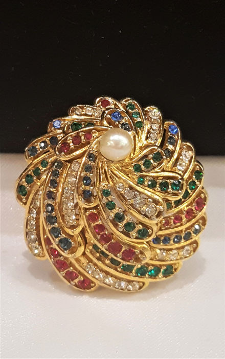 BOUCHER 18kt gold plated-pearl-crystal - Brooch - Serialized