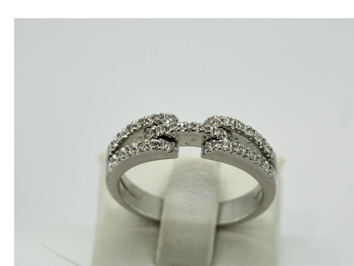 18 kt. White gold - Ring - 0.31 ct Diamond