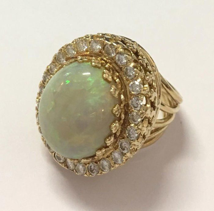 18 kt Gelbgold - Ring Opal - Diamanten