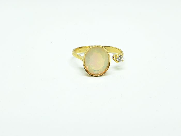 18 kt. Yellow gold - Ring - 3.01 ct Opal