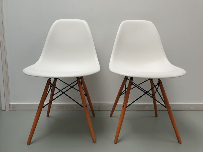 Charles Eames, Ray Eames - Vitra - Chair (2) - DSW - Catawiki