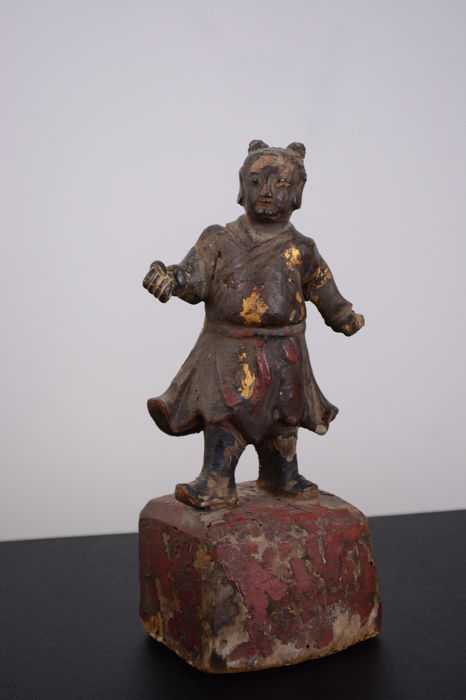 Figure (1) - Lacquer, Wood - Boys - A Carved Wood Polychrome Lacquered Figure - China - Ming Dynasty (1368-1644)