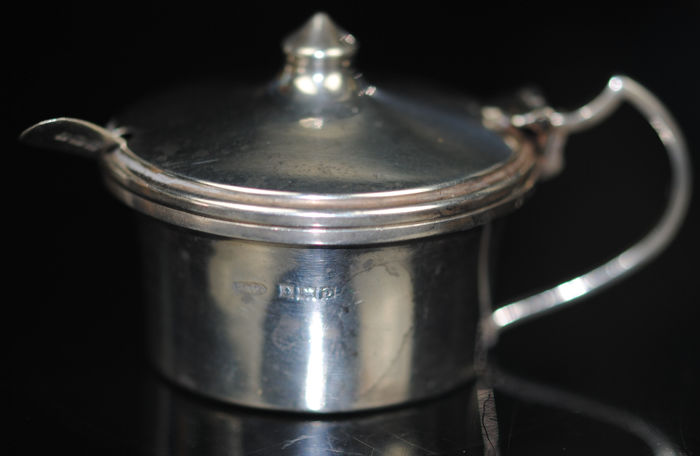 Mustard Pot - .925 silver - Broadway & Co of Birmingham - U.K. - 1953
