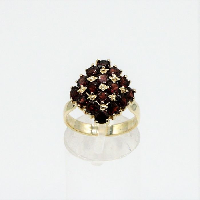 14 kt. Yellow gold - Antique Bohemian ring - 1.60 ct Garnet