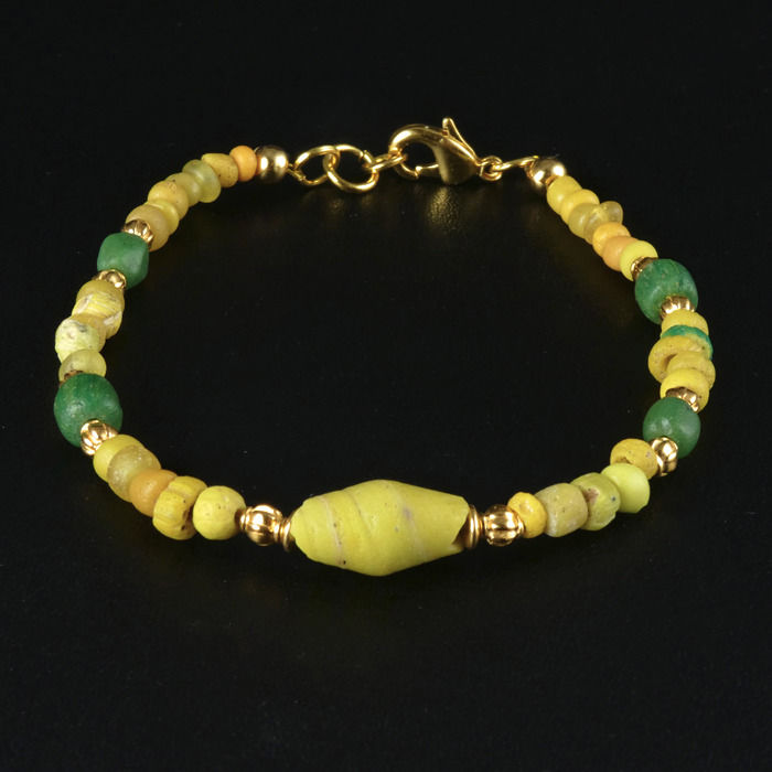 Ancient Roman Glass Bracelet with yellow and green glass beads - (1)