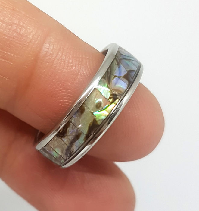 ABALONE Shell. Roestvrij stalen ring. - 2.8 g