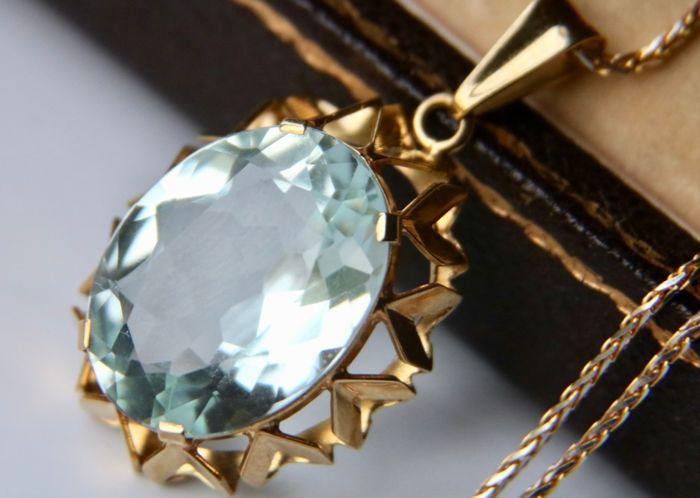 18 kt. Yellow gold - Handcrafted Pendant  - 12.80 ct tested natural Aquamarine (A quality) - Flawless - excellent