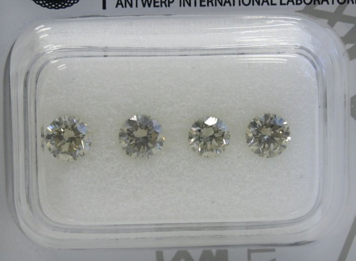 4 pcs Diamantes - 1.20 ct - Redondo - Light Yellow - VVS1-VS2 - No Reserve Price