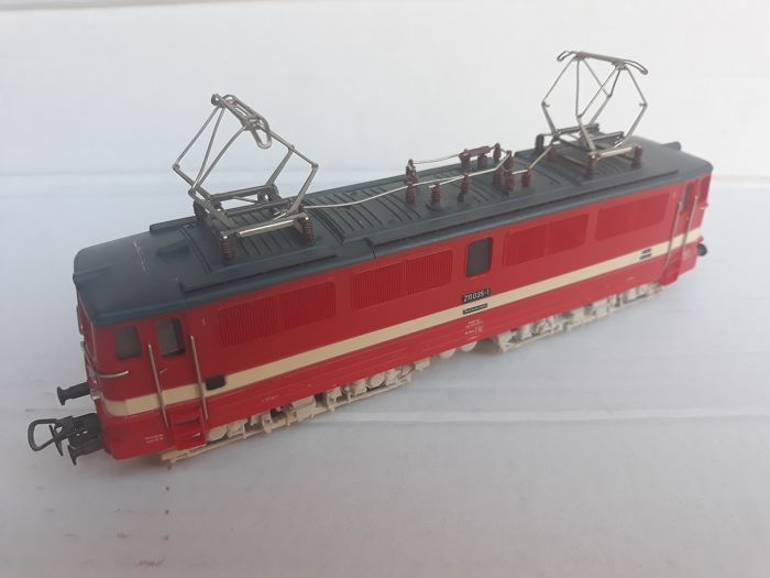 Piko H0 - 5/6213 - Electric locomotive - BR 211 - DR (DDR)