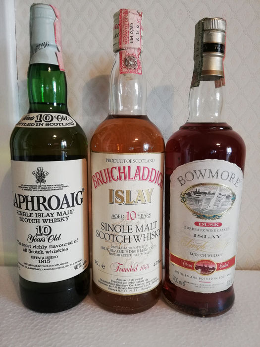 Laphroaig 10 years old - Bruichladdich 10 years old - Bowmore Dusk - b. 1980s, 1990s - 70cl - 75cl - 3 bottles