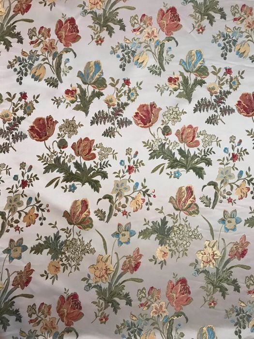 3.10 meters x 3 meters impressive cream-colored damask San Leucio fabric with floral decorations - Cotton, Satin - Unknown