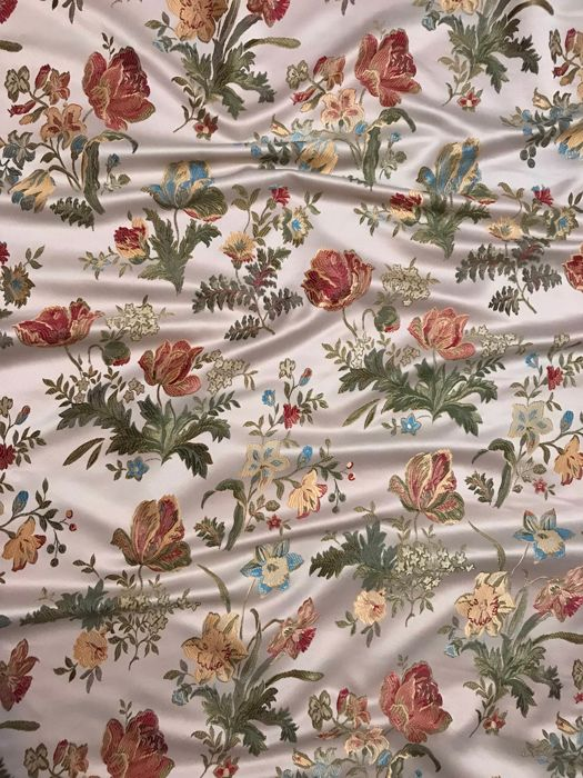 3.10 meters x 3 meters impressive cream-colored damask San Leucio fabric with floral decorations - Cotton, Satin