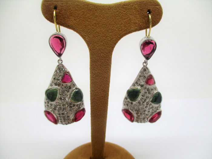 18 kt. Silver, Yellow gold - Earrings - 2.00 ct Ruby - Diamonds, Emeralds