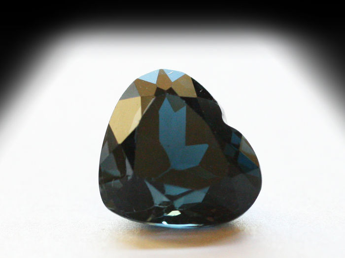 London Blue Topaz - 4.88 ct