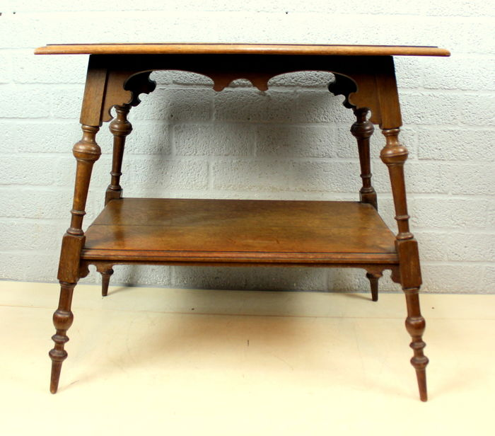 Used, A side table with sloping legs / floor - Oak Curio Bric-à-brac for sale
