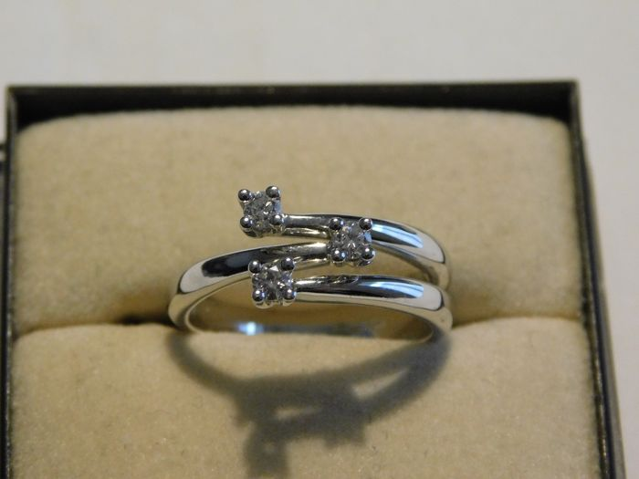 18 kt. White gold - Ring - 0.24 ct Diamond