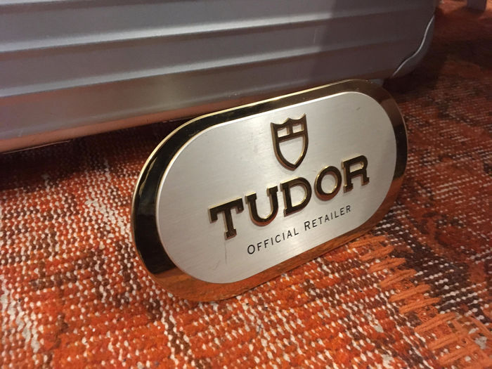 Tudor - Brass Boutique Stand - TMA0204-AN - Unisex - 1990-1999