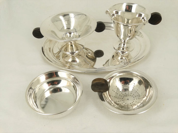 Sugar and cream set, Tea strainer, Three-part Art Deco cream set and tea strainer with drip tray - .833 silver - Netherlands - Early 20th century