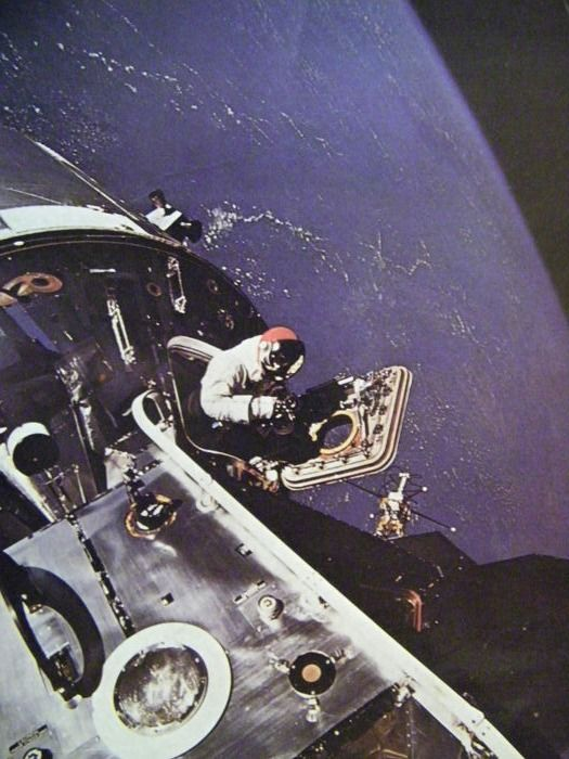 Space history from 1945-1970: photos, NASA, info (6) - Paper