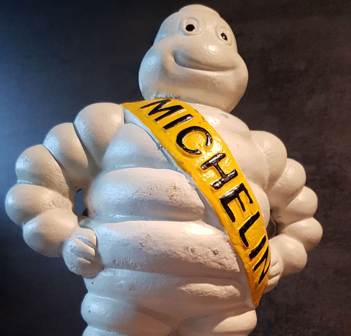 Statue - Extra grote Michelin man. - 2001