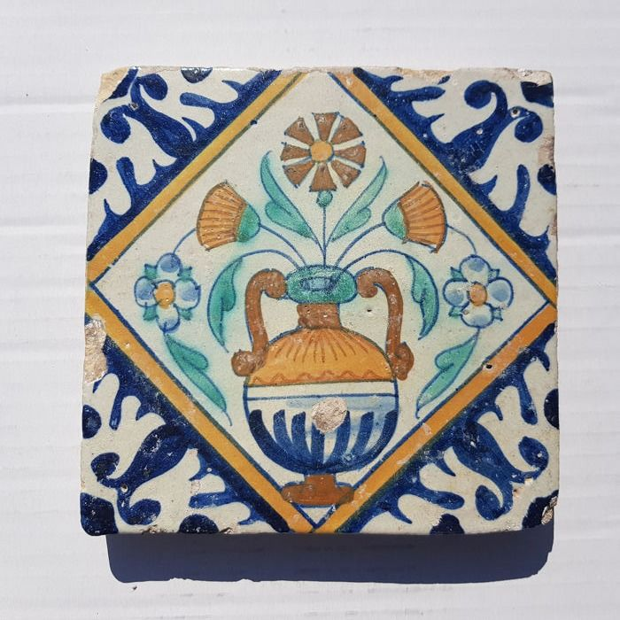 Polychrome tile with flowerpot (1) - Earthenware