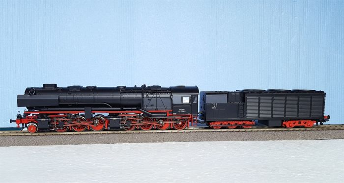Trix H0 - 22530 - Steam locomotive with tender - BR 53K - DR (DRB)
