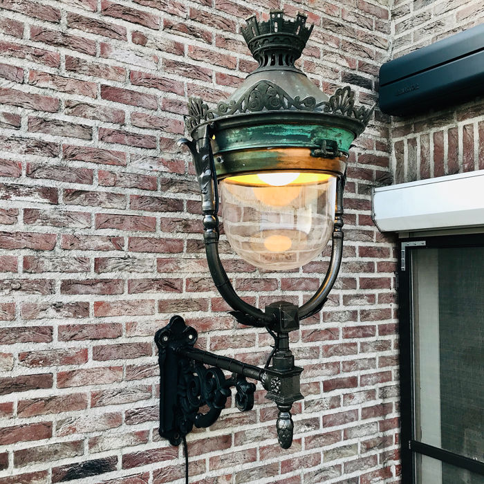 French street lamp with forged ornate wall support - Romantic - Bronze, cast iron, Copper, Glass - 19th century