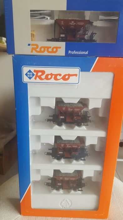 Roco H0 - 44187/46128 - Freight carriage - Box of 3 wagons with axle hopper with loading plus 1 identical hopper - DB
