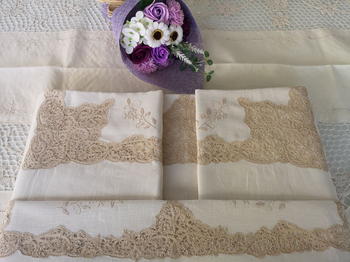 VERO SPETTACOLO!!!! - Charming sheet in pure linen Cantù ROSELIN embroidery by hand - Linen