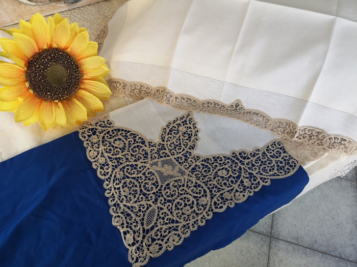 VERO SPETTACOLO!!!! - Rich sheet in pure linen Cantù embroidery by hand - Linen