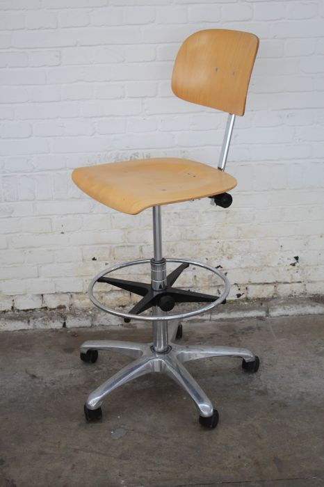 Office chair, Adjustable workbench chair