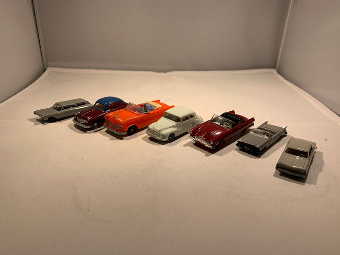 Tomica & Siku - 1/64 & 1/43 - 14x Small Scale Model cars - Made in
