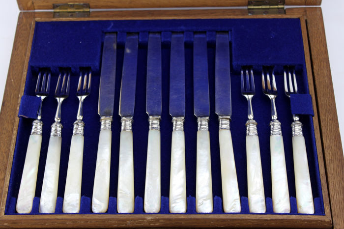 Tableware Set of Sterling Silver Knives and Forks - W. Comyns & Sons Ltd (24) - Edwardian - Silver - 1908
