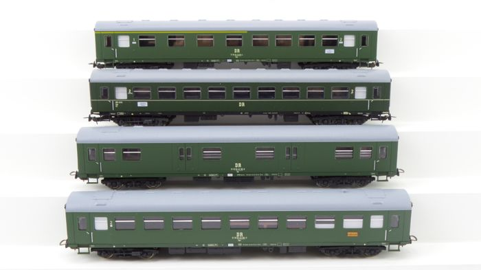 Piko H0 - 53047/53056/53058/53059 - Passenger carriage - 4 express train carriages - DR (DDR)