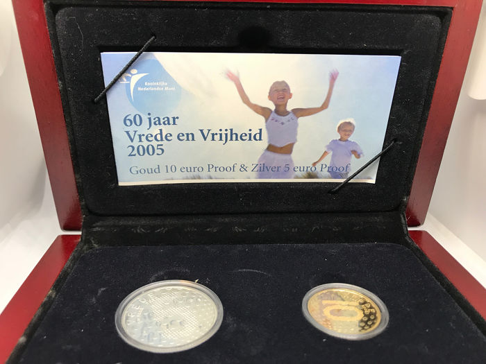 The Netherlands - 5&10 Euro 2005 Beatrix / Prestigeset 60 Jaar vrede en vrijheid   - Gold, Silver