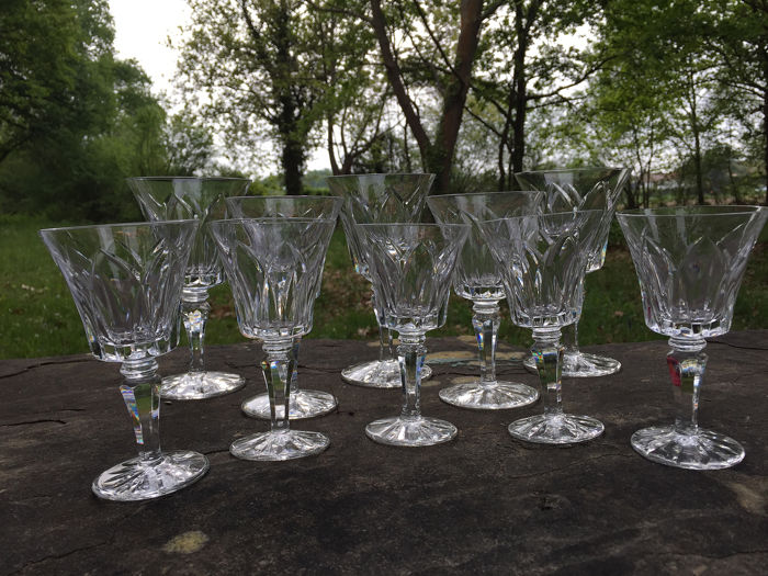 Saint Louis - 10 crystal glasses size. 'Carmargue' Signed. - Crystal