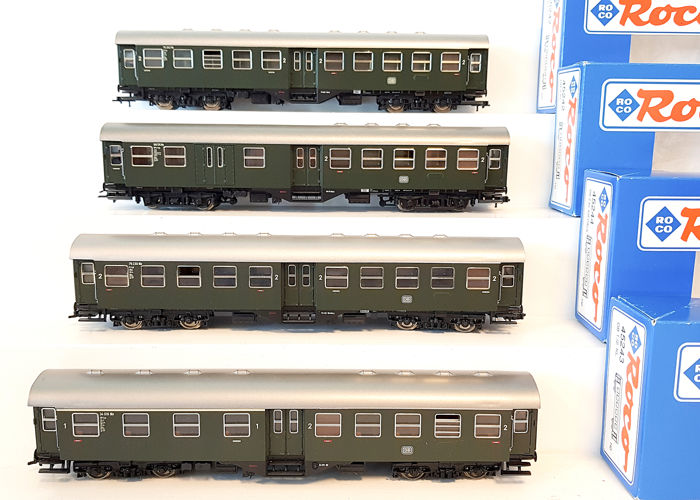 Roco H0 - 45242/45243/45244 - Passenger carriage - Four 'Umbau' passenger cars - DB