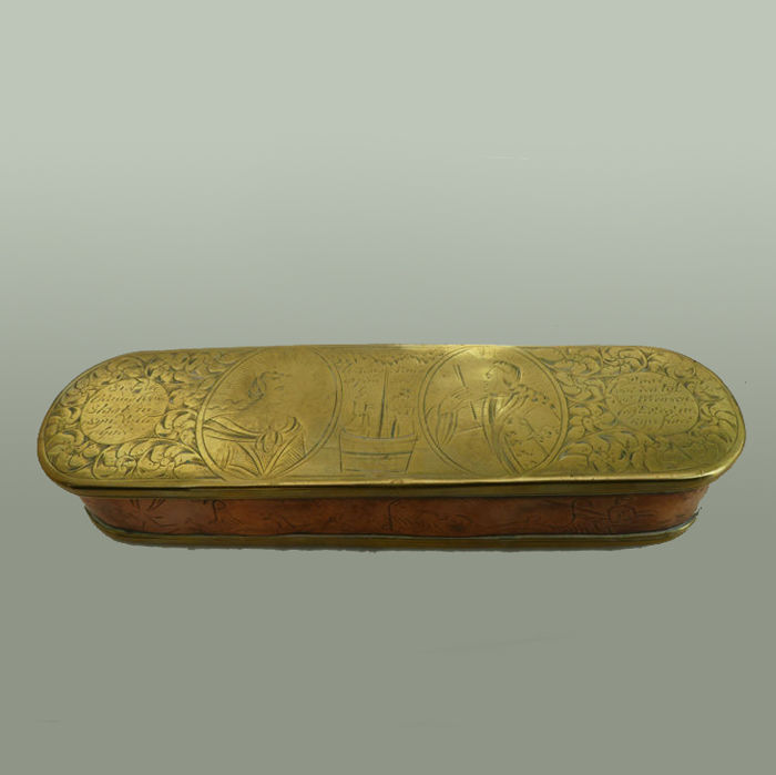 tobacco box Willem V - Wilhelmina v. Prussia - Brass; Red copper