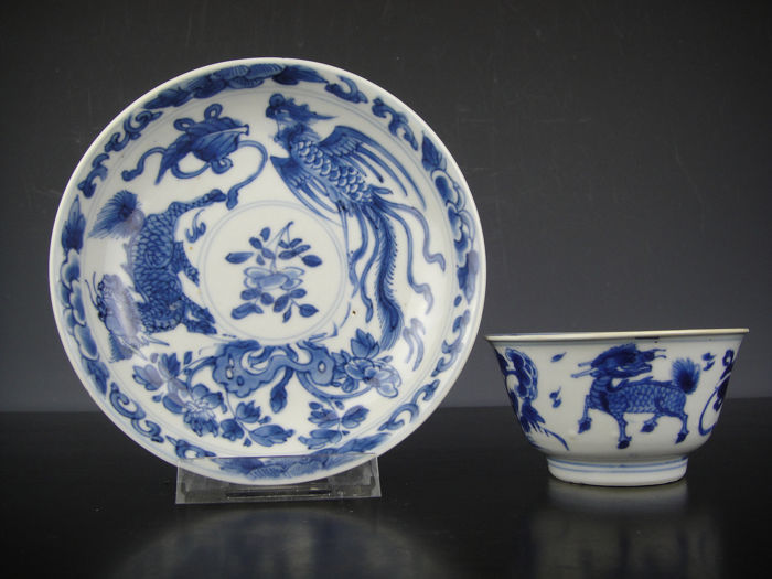 Cup and saucer - Blue and white - Porcelain - Phoenix, Qilin - China - 18th century