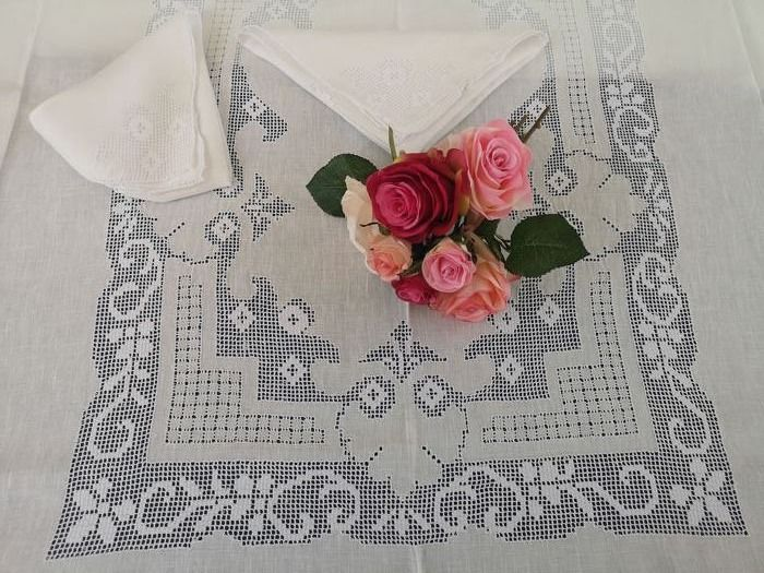 Rich x12 tablecloth in pure linen with handmade Sicilian embroidery - Linen - AFTER 2000
