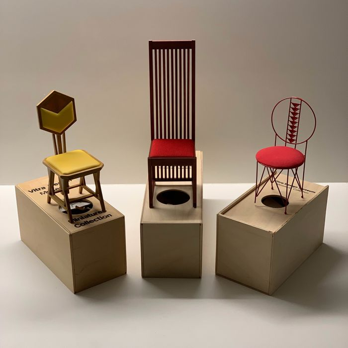 biggest discount sneakers detailed look Frank Lloyd Wright - Vitra Design Museum - Miniatures Collection - Chair,  Scale model (3) - Catawiki