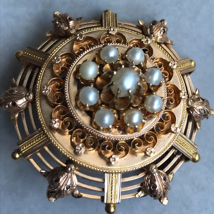 Gold-plated - Brooch