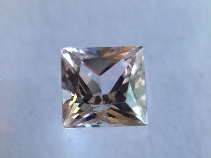 1 pcs Roze Saffier - 0.32 ct