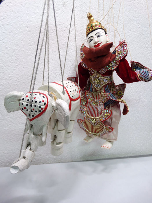 Elephant and pop, Puppets (2) - Wood