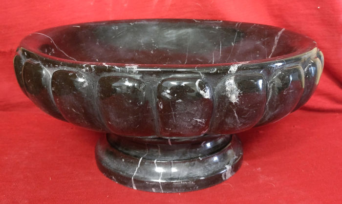 Centerpiece / fruit bowl with pods - Black Marquinia marble - Late 19th century / Early 20th century