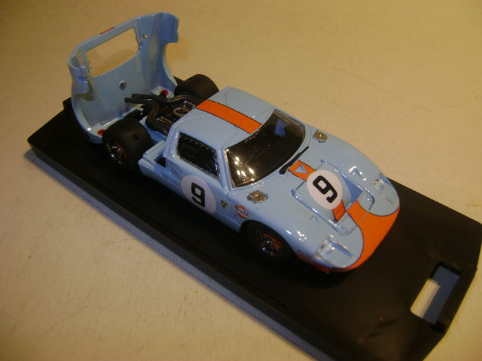 "Bang - 1:43 - Ford GT40  ""Le Mans"" 1968 Limied Edition 1104 from 5000 - With certificate of authenticity"
