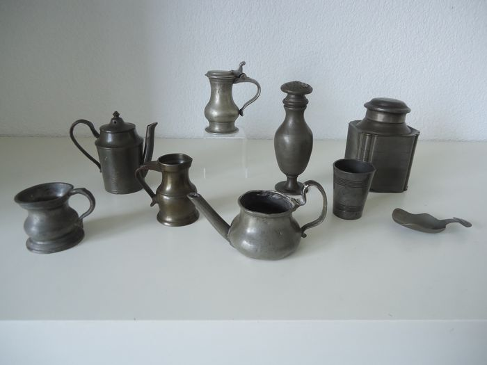 antique pewter children's toys, pewter, measuring jug, tea caddy, tea scoop, pepper canister, English buddy, ear lamb (9) - Pewter
